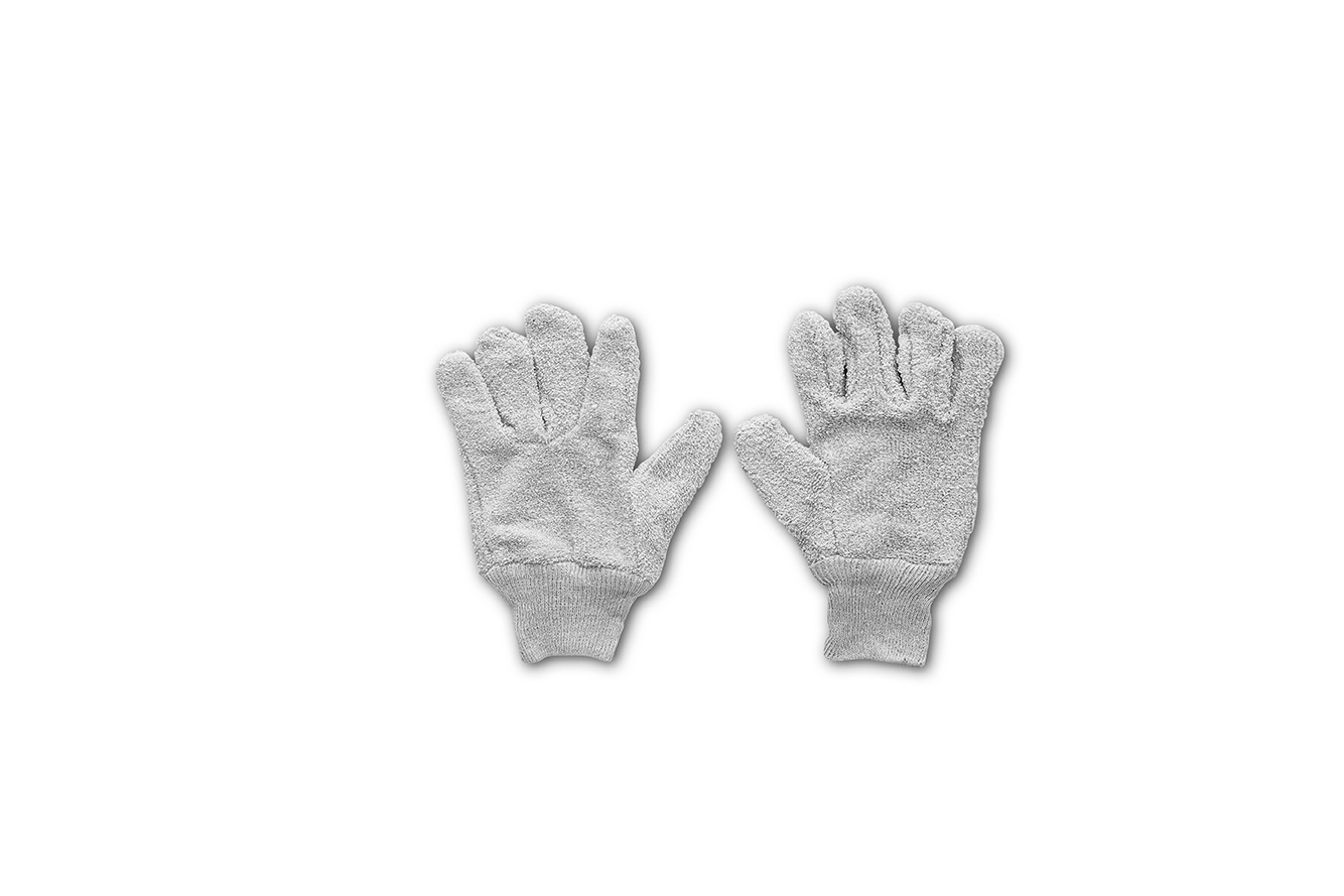 Thermally insulated oven gloves